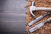 Claw hammer, flat chisels