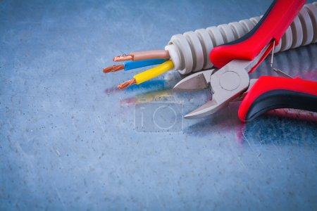 copper cables and sharp wire cutters