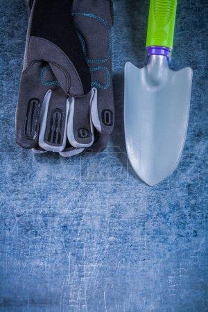 Steel gardening spade staff
