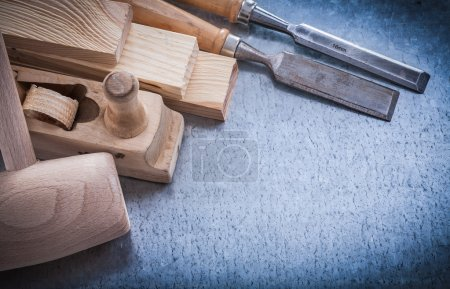 wooden planer hammer bricks