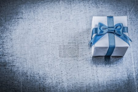 Giftbox with present bow