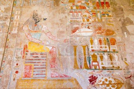 Photo pour Égypte ancienne images en couleur et hiéroglyphes sur le mur - image libre de droit