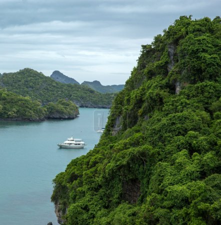 Photo pour Paysage vue d'oiseau du parc marin national angthong ko samui thailand - image libre de droit