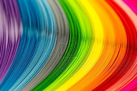 Photo pour Bandes de papier aux couleurs arc-en-ciel comme toile de fond colorée - image libre de droit