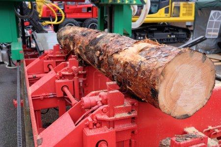Photo pour Image d'une machine pour travailler le bois - image libre de droit