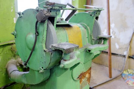 Grinding machine equipment