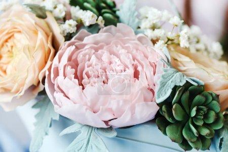 Sugar blooming flowers on cake...