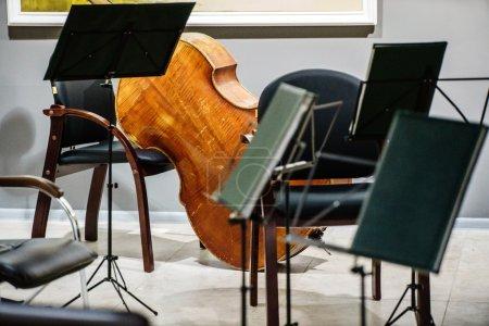 Photo pour Concert de musique classique avec instruments de musique - image libre de droit
