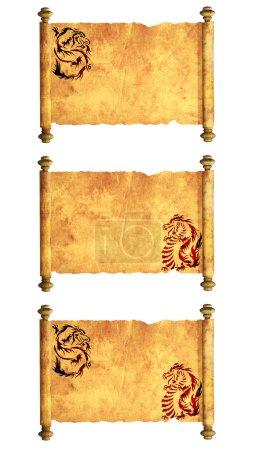 Photo pour Collection de parchemins anciens avec les images de dragons. Isolé sur fond blanc - image libre de droit
