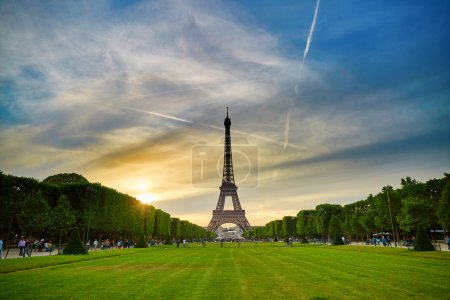 Photo for Scenic view of the Eiffel tower in Paris during sunset on a summer evening - Royalty Free Image