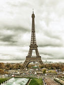 Panoráma města Paříž s Eiffelovou věží