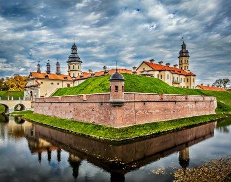 Photo pour Attraction touristique biélorusse Château de Nesvizh - château médiéval à Nesvizh, Biélorussie - image libre de droit