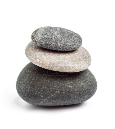 Photo pour Concept de balance des pierres zen isolé sur blanc - image libre de droit