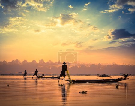 traditionelle burmesische Fischer am Ile Lake myanmar