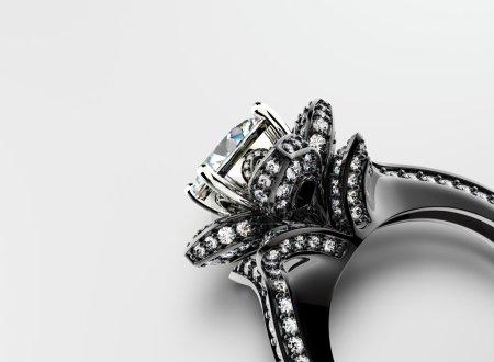 luxury Ring with diamonds