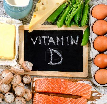 Photo pour Aliments riches en vitamine D. Healthy eating concept. Vue de dessus - image libre de droit