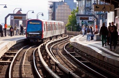 Estación U-Bahn de Baumwall en Hamburgo, Alemania