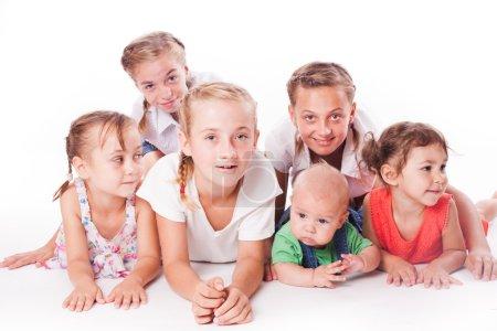 Photo pour Enfants isolés sur blanc. Enfants de différents âges - image libre de droit