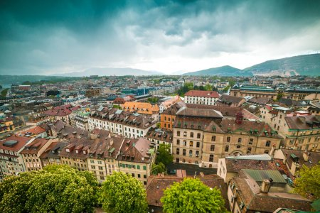 Photo pour Aerial view of Geneva Old Town - image libre de droit