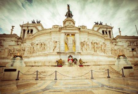 Photo pour Victorienne à Rome pendant la journée. Italie - image libre de droit