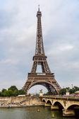 Seine Paris és Eiffel torony