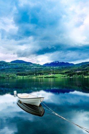 Photo pour Magnifique paysage naturel de la Nature Norvège. - image libre de droit