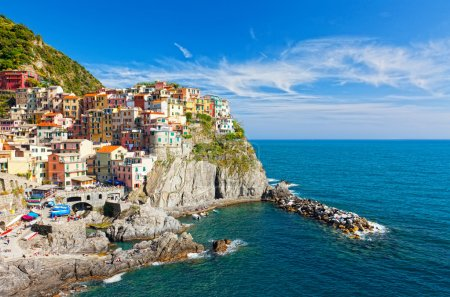 Manarola village on cliff rocks