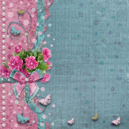 Photo pour Vieux album photo vintage avec de belles pivoines roses et des papillons volants - image libre de droit