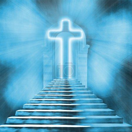 glühendes Heiligkreuz und Treppe, die in den Himmel oder in die Hölle führt