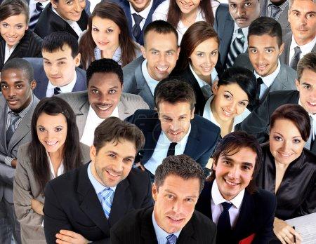 Grupo grande de gente de negocios. Sobre fondo blanco
