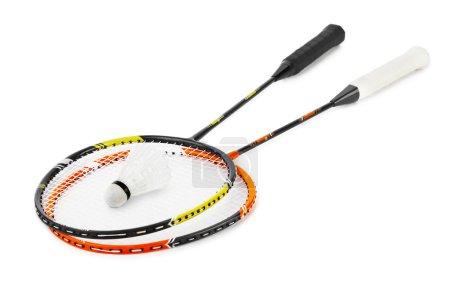 Photo pour Raquette de badminton et Shuttlecock isolés sur fond blanc - image libre de droit