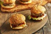 Chutné domácí cheeseburgery