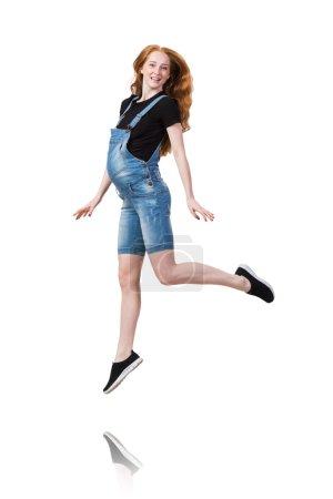 Photo pour Jeune femme enceinte isolée sur blanc - image libre de droit