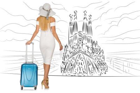 Photo pour Jeune femme voyageant en Espagne pour voir la Sagrada Familia - image libre de droit
