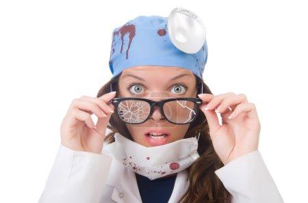 Photo pour Femme jeune médecin isolé sur blanc - image libre de droit