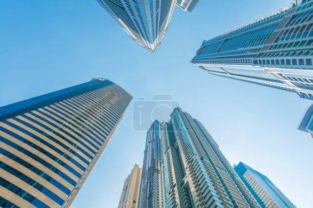 Photo pour Haut gratte-ciel de marina de Dubaï dans les Émirats Arabes Unis - image libre de droit