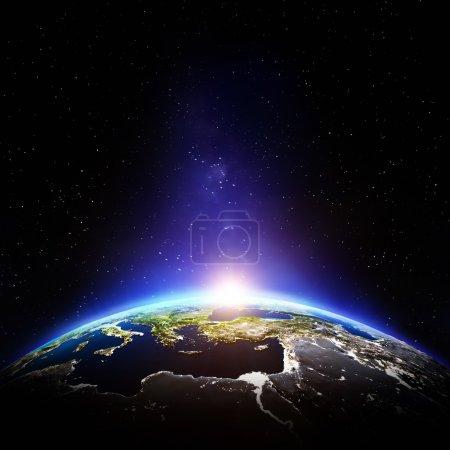 Photo pour Nuit de la terre de planète. Éléments de cette image fournie par la Nasa - image libre de droit