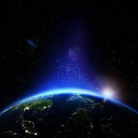 Photo pour Les villes la nuit. Éléments de cette image fournis par la NASA - image libre de droit
