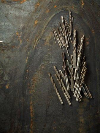 Photo pour Jeu de tambours sur la texture des tôles d'acier - image libre de droit