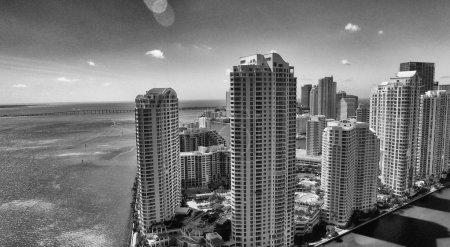 Foto de Vista de Miami de edificios y rascacielos, Florida, EE.UU. - Imagen libre de derechos