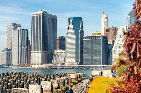 Foto de Edificios y skyline del centro de Manhattan . - Imagen libre de derechos