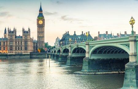 Photo pour Londres, Royaume Uni. Maisons du Parlement à Westminster. - image libre de droit