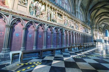 Photo pour Belle église ancienne intérieur . - image libre de droit