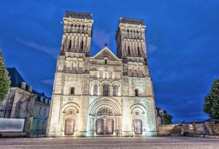 Abbaye des femmes de Caen, France. Vue de nuit