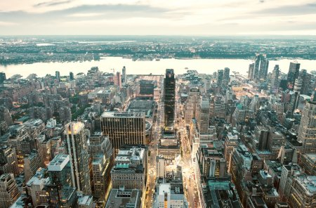 Photo pour Incroyable skyline de Manhattan - gratte-ciel de New York. - image libre de droit
