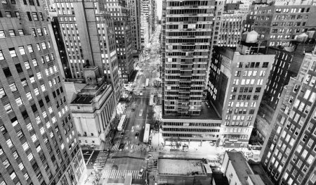 Black and white view of New York skyscrapers