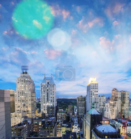 Photo pour Toits de la ville de New York. Panorama d'édifices et gratte-ciels. É.-u. - image libre de droit