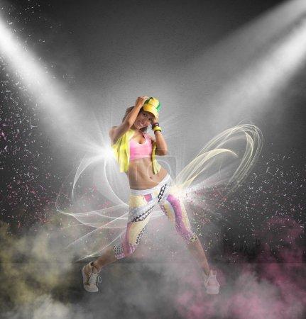 Modern dancer gir