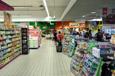 Einfach Supermarkt-Innenraum vermarkten