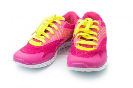 Photo pour Paire de chaussures de sport rose sur fond blanc - image libre de droit